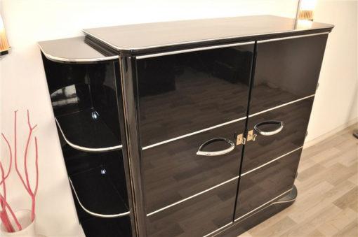 LuxuriousArt Deco bar cabinet, highgloss paintjob, chrome fittings, clean interior, wonderful body form