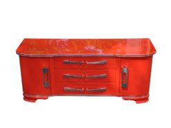 Exceptional Art Deco Commode, wonderful body, rounded corners, shiny chrome fittings, handpolished