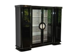formed swing doors, doors with glass, chromed fittings, handpolished highglossblack , backpanel with silk
