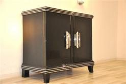 wonderful straight body, round corners, discreet chromebars, handpolished, 2 big swing doors