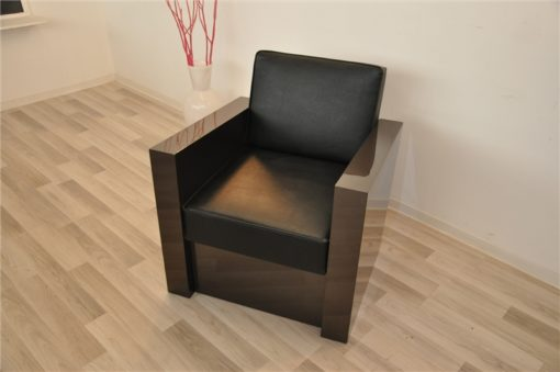 Art Deco armchair, dark silver paintjob, beautiful and comfortable body, black leather