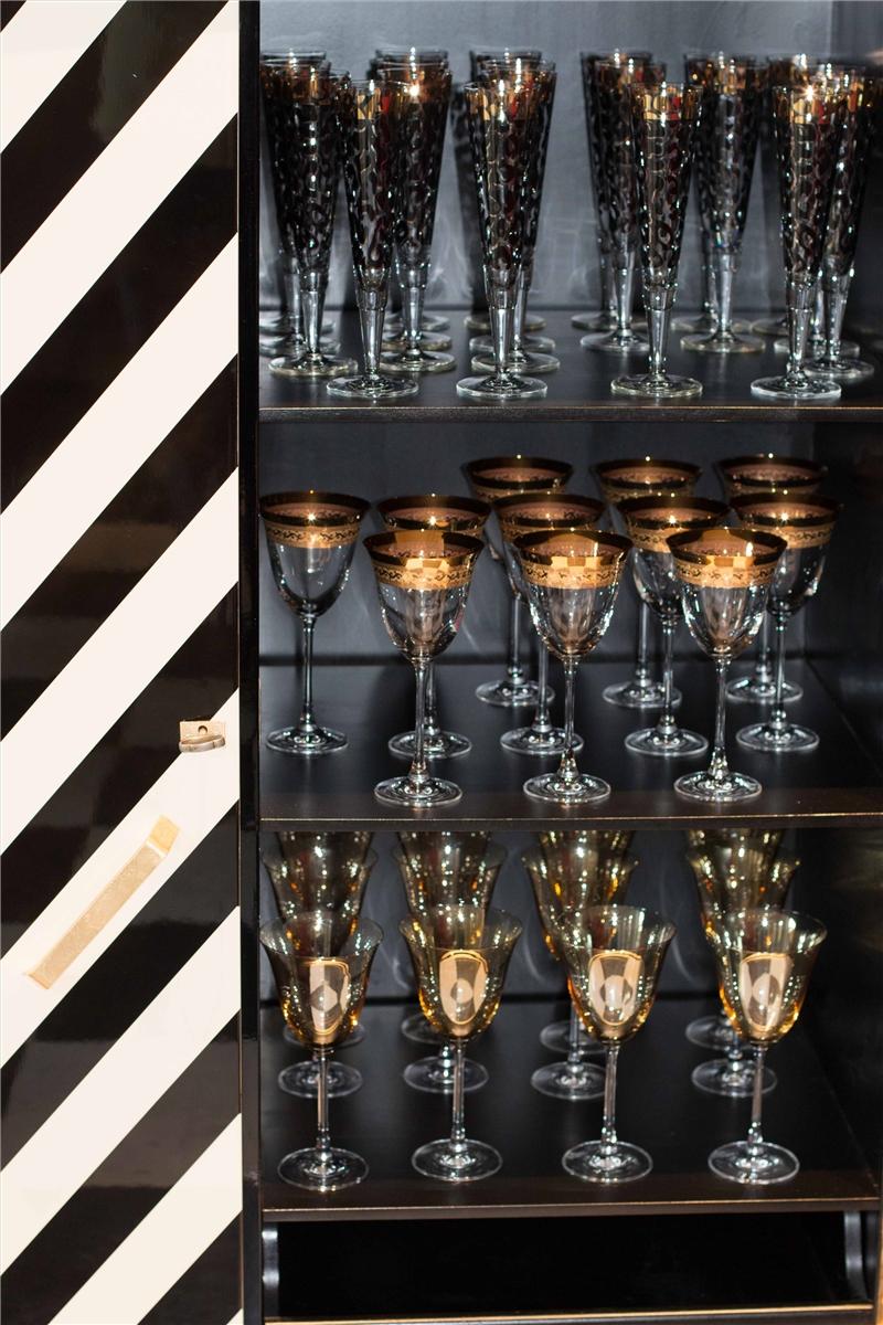 exklusive art deco bar le zebre original antique furniture. Black Bedroom Furniture Sets. Home Design Ideas