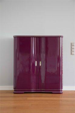 Art Deco bar cabinet La Vie, Design by Margarethe Schreinemakers, unusual lilac lacquer, wonderful swing doors, great design