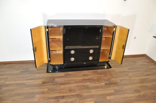 Art Deco Pianolacquer Sideboard with a great Body, big chrome handles, 10 layers pianolacquer, beautiful foot, france 1938