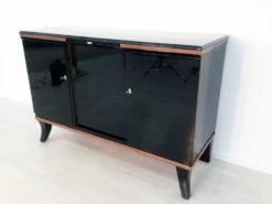 Art Deco Buffet, beautiful Walnutdetails, french feet, clean interior