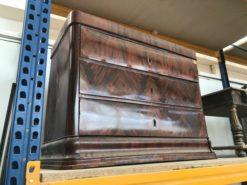 chest of drawers, mahogany, unrestored, brown, great foot, veneer, antique, living room, elegant, pattern, luxury, large, stable, pattern