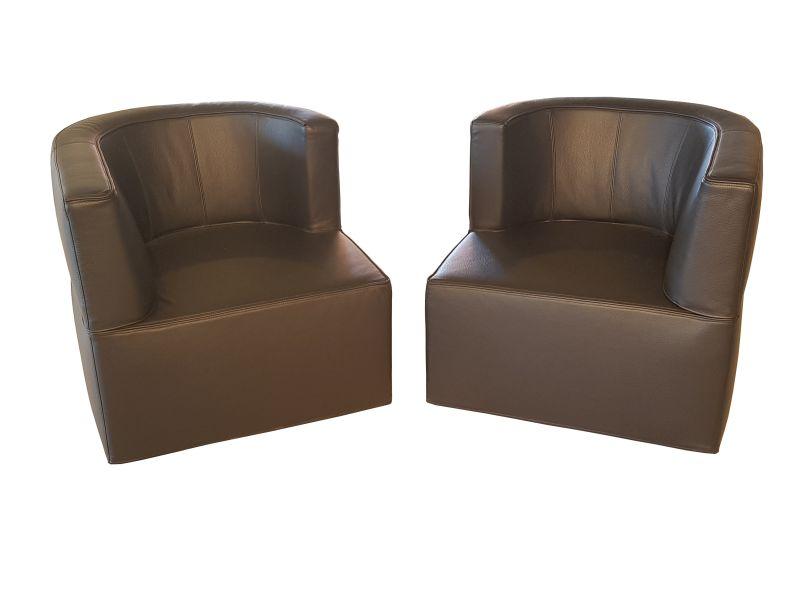 Admirable Pair Of Rotating Black Leather Armchairs Inzonedesignstudio Interior Chair Design Inzonedesignstudiocom