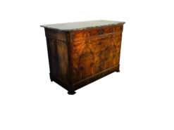 1830s Marble Top Biedermeier Chest of Drawers made of Walnut, Interior design, antiques, antique furniture, walnut wood, marble top, great condition
