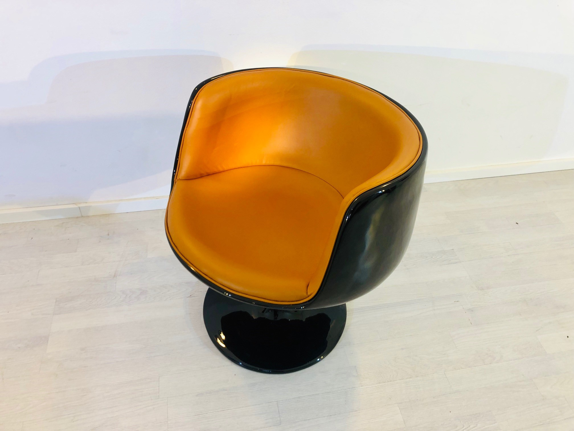 Egg Chair Cognac.Vintage 1960s Design Armchair In Black Cognac Original Antique