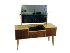 1970s Danish Design Mirror Commode, Vintage Design, Vintage Furniture, Mid-century furniture, vintage furniture, scandinavian design