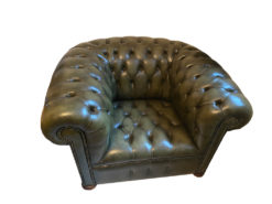 Dark Green Leather Chesterfield Armchairs (2 Pieces)