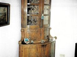 Top Corner Showcase, Biedermeier, 1820/30, Mahogany Veneer